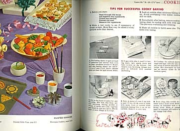 Betty Crocker's New Picture Cook Book First Edition, First Printing